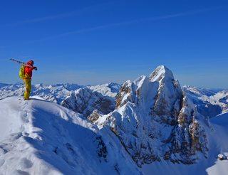 Ski de rando en vallée d'Ossau en Béarn Pyrénées