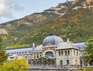 Gare internationale de Canfranc en Aragon dans les Pyrénées
